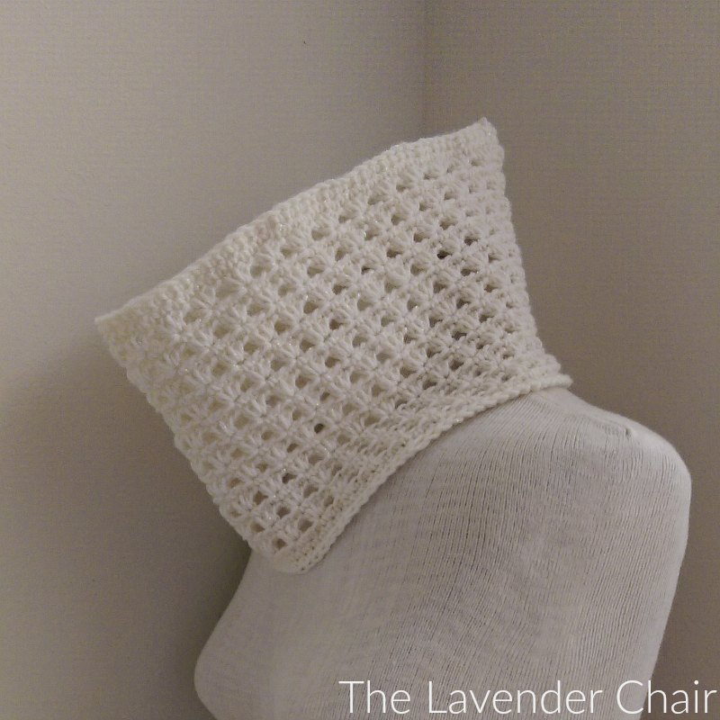 Lazy Daisy Cowl - Free Crochet Pattern - The Lavender Chair