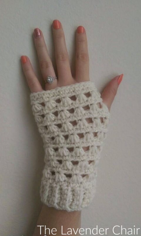 Lazy Daisy Fingerless Gloves - Free Crochet Pattern - The Lavender Chair