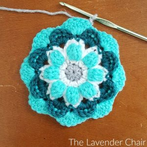Free Crochet Pattern - The Lavender Chair