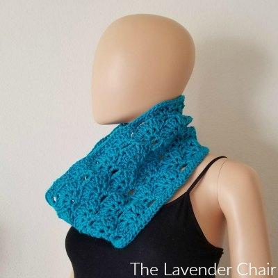 Falling Fans Cowl Crochet Pattern