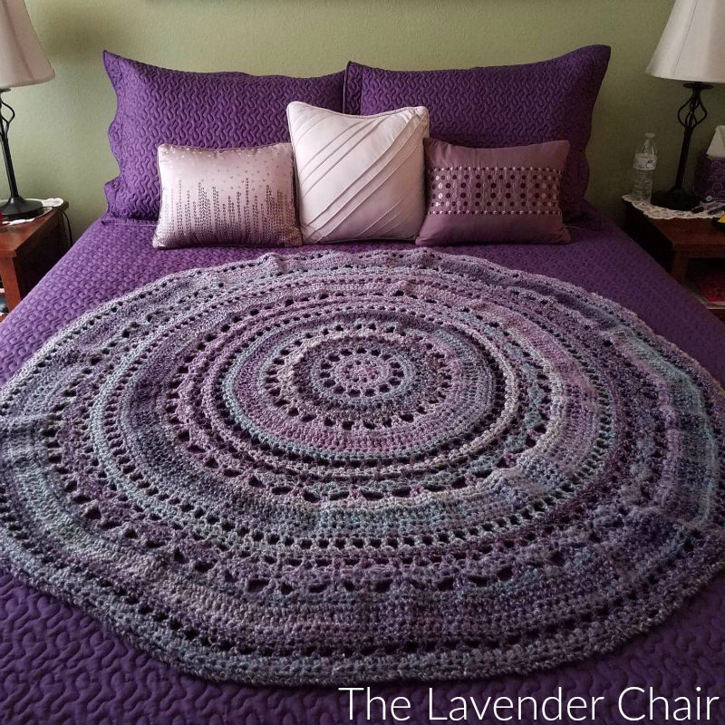 Wagon Wheel Circular Blanket - Free Crochet Pattern - The Lavender Chair
