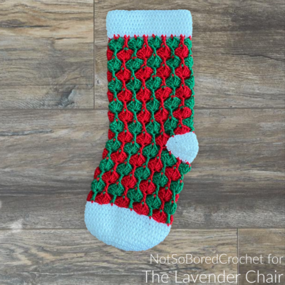 Read more about the article Quiver Fans Stocking Crochet Pattern
